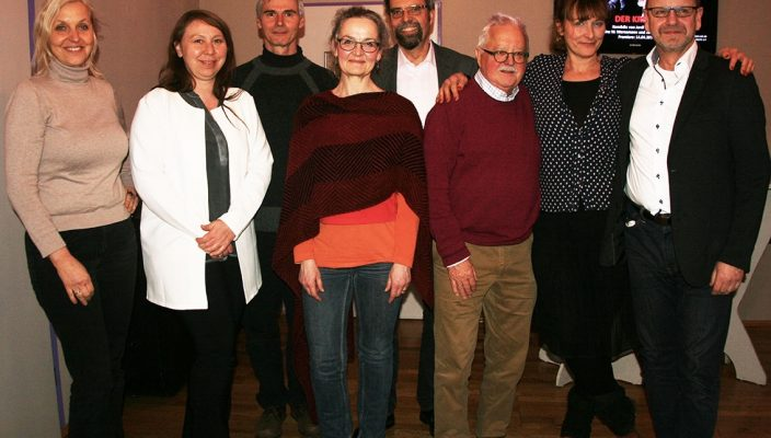 Der neue Vorstand: Susanne Braune, Henriette Matovina, Andreas Schantz, Dr. Gabi Sabo, Wolfgang Kopf, Horst Halser, Andrea Hailer und Reinhart Knirsch (von links).