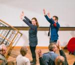 Andreas und Marget Hacker von Stadtland-Impro sorgen für vergnügliche Aufwärmung des Publikums.