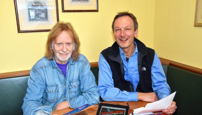 MIR-Vorsitzender Manfred Lenz und Uwe Lein, zuständig für die Öffentlichkeitsarbeit des Vereins. Foto: Schlecker