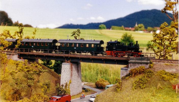 Auch die Priener Mühlbachbrücke wurde nachgebildet.