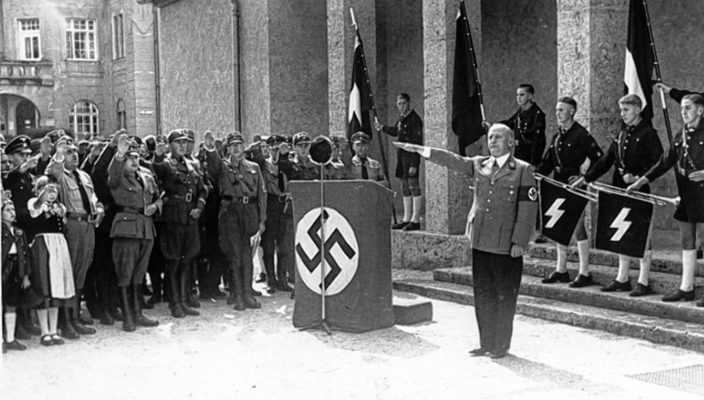 Gauleiter Adolf Wagner eröffnete 1937 die Städtische Galerie in Rosenheim. Foto: Stadtarchiv Rosenheim