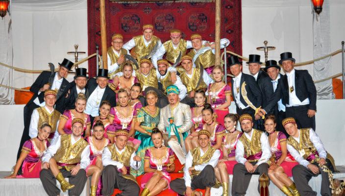 Prinzenpaar und Hofstaat – wie ein Märchen aus 1001 Nacht. Fotos: M.Jung (3)