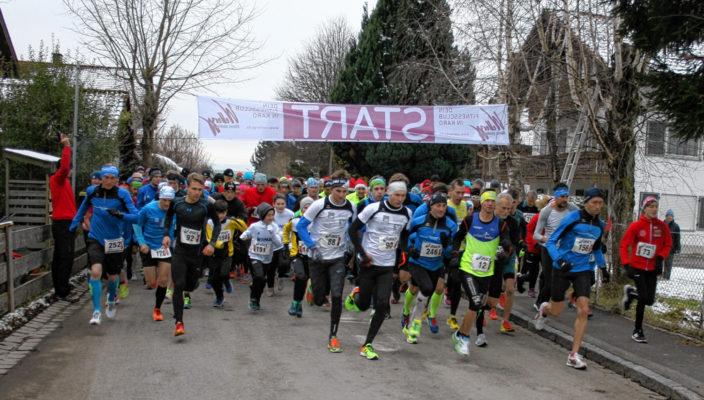 Rund 300 Läufer waren dabei.