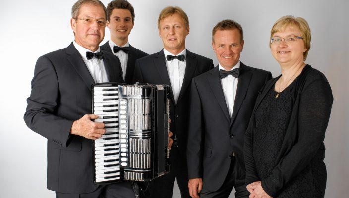 """Das Quintett """"Amici Fisarmonica""""."""