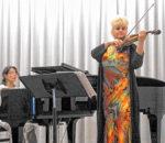Ilona Cudek (Violine) und Olga Bolocan-Töppel (Klavier).