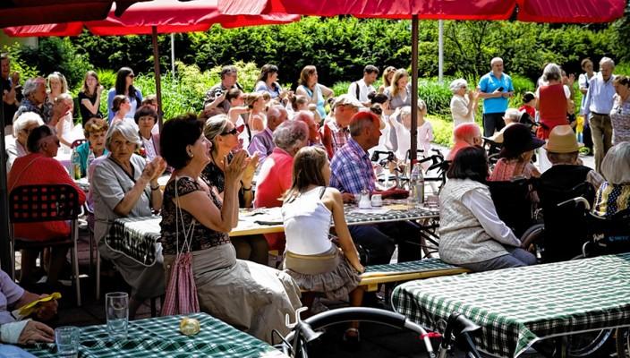 Feiern Sie mit beim Sommerfest in der Seniorenresidenz Novalis in Bad Aibling.