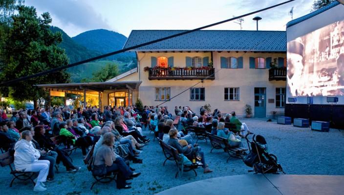 Ein Muss für Film- und Musikliebhaber: Die besondere Atmosphäre bei den Musikfilmtagen in Oberaudorf.