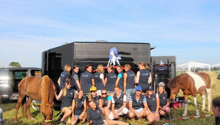 Die Rosenheimer Islandpferde-Reiter freuen sich über ihr gutes Abschneiden beim Turnier in Hohenlinden. Foto: re