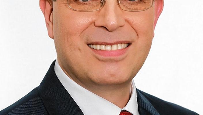 Dr. Olaf Konstantin Krueger tritt für die Piraten an.