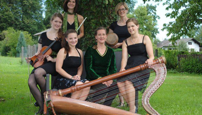 """""""Quintamina"""" setzt sich aus sechs Musikerinnen aus dem Landkreis Rosenheim zusammen. Foto: kfd Thansau"""