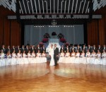 Glanzvoller Auftritt: Christine und Zoli Kesmarki inmitten der strahlenden Debütantenpaare. Fotos: (alle) Ken Liu