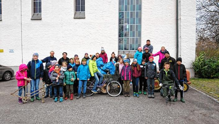 Auch die Pfadfinder aus der Pfarrei Oberwöhr sammeln seit vielen Jahren fleißig Müll.