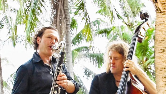 Mulo Francel (li) und D.D. Lowka sind mit bei den Hauptdarstellern des Regenwald Konzerts.