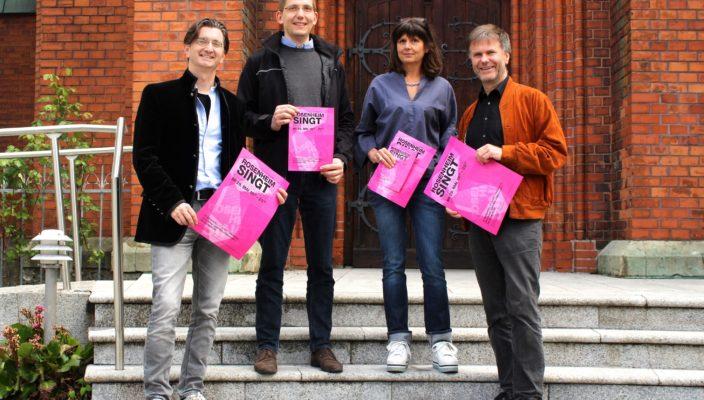 Die Organisatoren des Chorfest, von links: Michi Gartner, Johannes Eppelein, Iris Huber und Thomas J. Mandl. Foto: Klara Huber