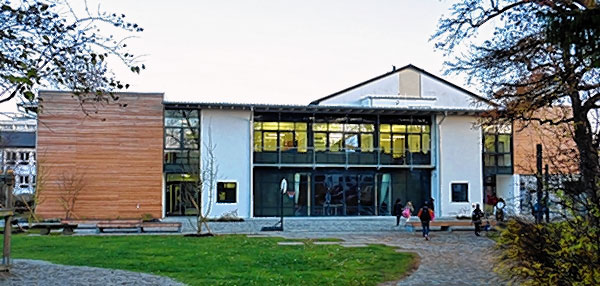 Einen Einblick in seine sonderpädagogische interdisziplinäre Arbeit bietet das SFZ in Roenheim am 22. Februar.