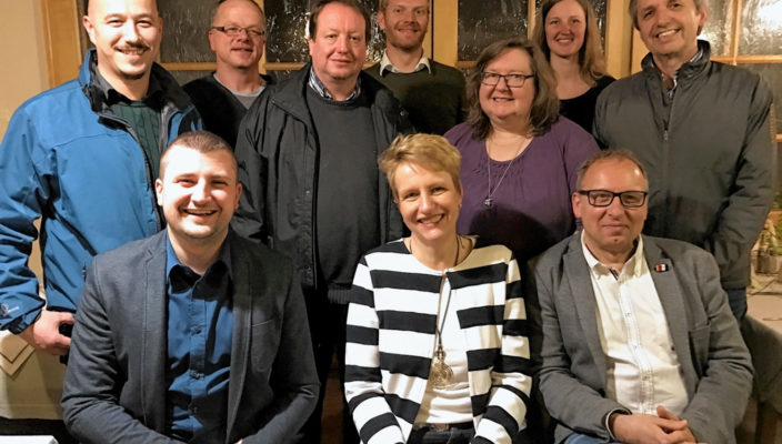 Ins Wahljahr startet der Ortsverein mit neuem Vorstand: (hinten von links) Jane Gievski, Klaus Jordan, Peter Schnellberger, Peter Schmitt, Geli Rösner, Sabrina Lodders, Hans Hajer, (vorne) Edi Ikanovic, Britta Promann, Robert Metzger.