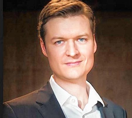 Christoph Declara ist nur einer von fünf Künstlern, die für Raffi spielen.