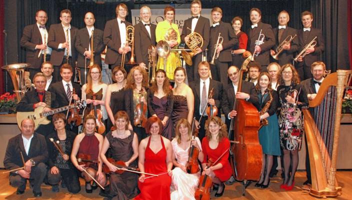 Vielseitige Klangperspektiven eröffnet das Ballorchester Stephanskirchen.