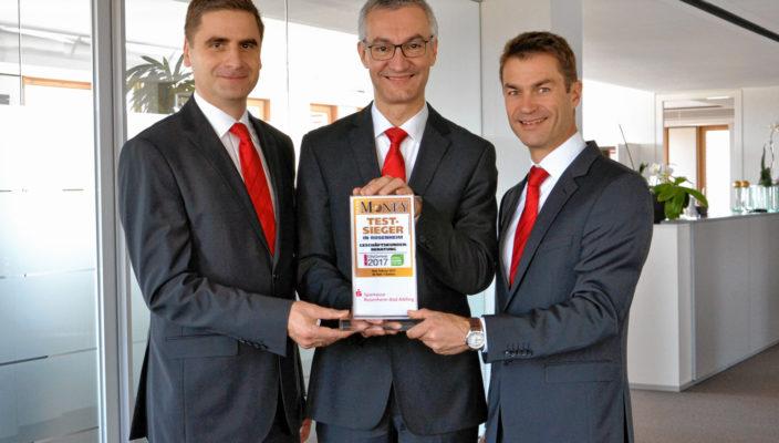 Die Gebietsdirektoren der Sparkasse Rosenheim-Bad Aibling (von links): Markus Ostermaier (Chiemgau), Stephan Donderer (Bad Aibling/Mangfalltal/oberes Inntal) und Thomas Dobner (Rosenheim und umliegende Gemeinden).