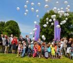 """Mit rund 3,2 Millionen Euro förderte die Sparkasse Rosenheim-Bad Aibling 2013 die Region durch Spenden und Sponsoring. Ein großer Teil floss in die Sparkassenstiftungen Zukunft für die Stadt und den Landkreis Rosenheim, die unter anderem mit ihrem Projekt """"Aktion Aufwind"""" benachteiligte Kinder und Jugendliche in der Region unterstützen."""