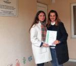 Gentiana Krasniqi, rechts im Bild, machte sich vor Ort ein Bild vom SOS-Kinderdorf. Links im Bild Beratungsleiterin Ariana Shala.
