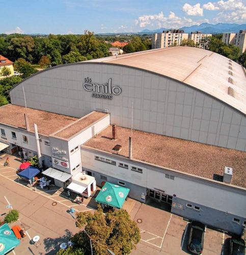 Nun ist der Weg frei für die Sanierung des emilo-Stadions. Foto: Stefan Dupski