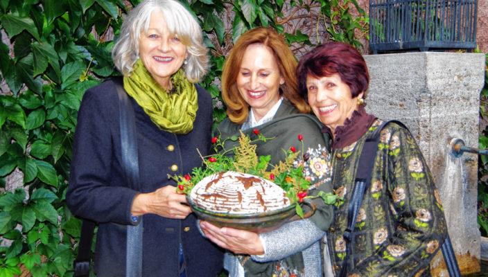 Die Stadtführerinnen bieten ganz besondere Einblicke in die Geschichte Rosenheims.