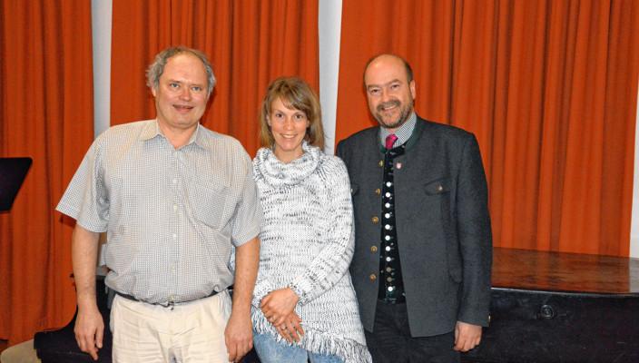 Die Vorstandschaft, von rechts: Dr. Wolfgang Bergmüller, Vorsitzender des Fördervereins, Anne Gries, Schriftführerin des Fördervereins und Fred Bayer, stellvertretender Vorsitzender und Schatzmeister des Fördervereins.