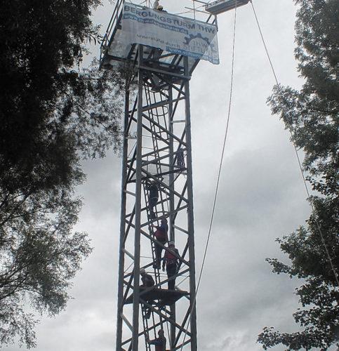 Perfekte Übungsmöglichkeiten bietet der neue Turm des THW Rosenheim.
