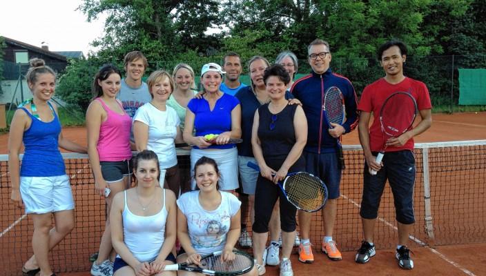 Die Tennis-Freizeitspieler freuen sich über viele Interessierte.