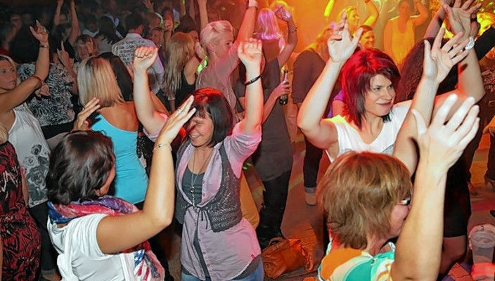 Rein in der Partyfrühling am 18. April in Ebbs!