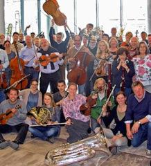 Mit dabei sind die Musiker von Collegia-Musica-Chiemgau.