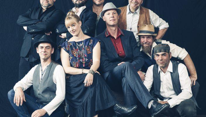 """Die Band """"Revelling Crooks"""" kommt mit ihrem aktuellen Album """"Gatto Nero""""."""