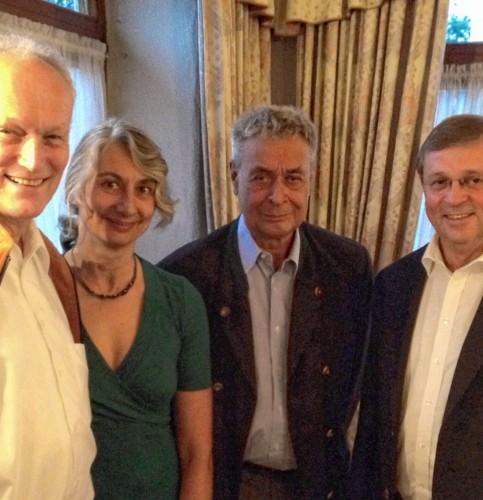 Von rechts: Dr. Aldo Fach, Dr. Sigrun Gabius, Professor Dr. Hans Rodt und Dr. Friedrich Ihler.