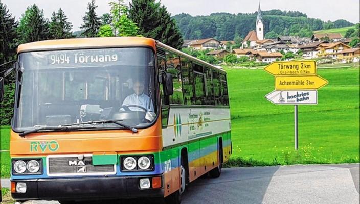 Unterwegs im Bus ins herrliche Umland.