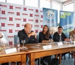 Sie präsentierten das Projekt ,,Die Stimme von morgen – Siegel sucht den UFA-Star: Klaus Schmid (Geschäftsleitung WEKO Rosenheim), Ralph Siegel, Selua Christen (Projekltleiterin UFA Talentbase), Marcel Nitschke (Eventmanager EMA) und Benny Schnier (Gute Laune TV). Foto: Finsterwalder
