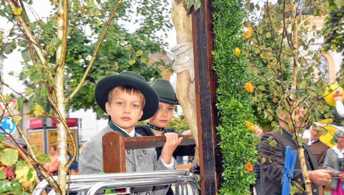 Der Erntedankzug zur Loretowiese war auch heuer wieder ein festliches Erlebnis. Foto: Schlecker