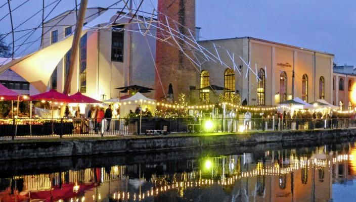 """Das Gelände der Alten Spinnerei in Kolbermoor ist ideal für die stimmungsvolle """"Winterlust""""."""