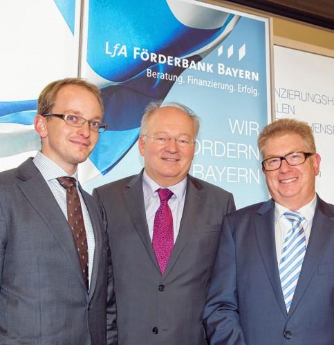 Unternehmer Anton Kathrein, LfA-Chef Dr. Otto Beierl und Rosenheims Wirtschaftsdezernent Thomas Bugl (von links).