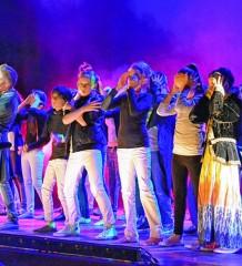 Bühnenluft schnuppern kann man beim Musical Theater Workshop an der Musikschule Rosenheim.