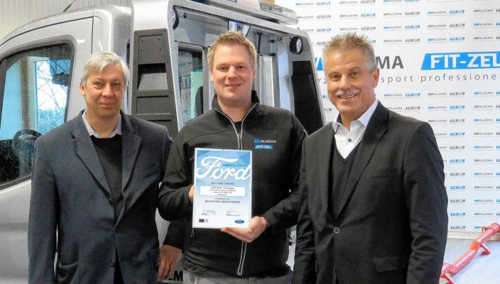 Günter Koschke (Bereichsleiter), Florian Deschner (Homologation) und Peter Nebel (Gesamtleiter Vetrieb und Marketing) mit der Urkunde zur Zertifizierung. Foto: Eder GmbH