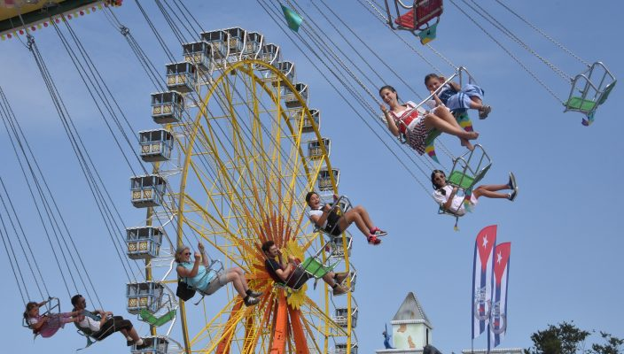 Luftige Höhen oder Platz in den Festzelten: Das Herbstfest ist ein Genuss.