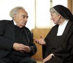 """Max Mannheimer im Gespräch mit Schwester Elija Boßler: Am 6. Februar wird der Film """"Dachauer Dialoge"""" gezeigt."""