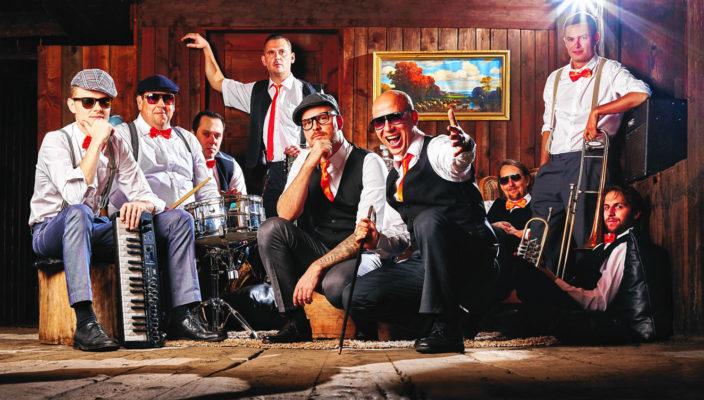 """Energiegeladene Show mit Band """"Kreuzwort"""". Foto: re"""